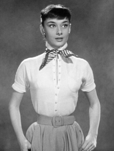 Audrey_Hepburn_screentest_in_Roman_Holiday_trailer