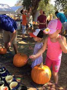 Kids, let's go to the pumpkin patch! Get the sunscreen and hats, I'll get the ice water and fans.