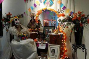 cento-cultural-aztlan-altar